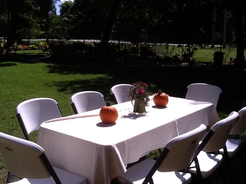 outside-table