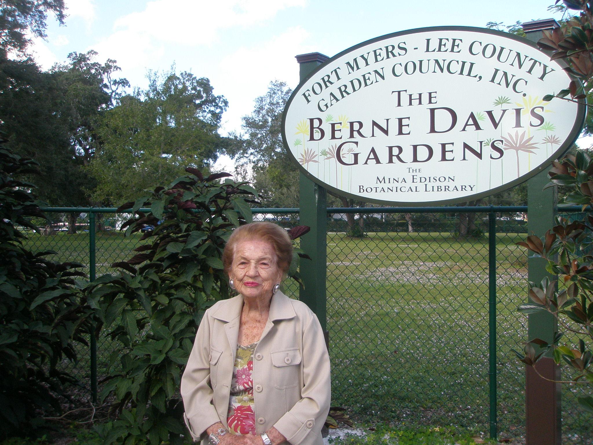 Berne Davis Gardens